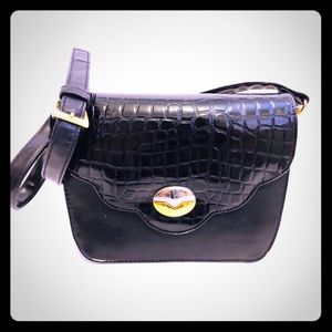 Vntg Vegan Leather Mini Shoulder Bag Blk Embossed
